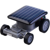 Zwarte speelgoed auto op zonne-energie Solar Powered car autootje